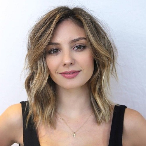 Medium-Layered-Dirty-Blonde-Style 6 Tips to choose the right hairstyles for square faces