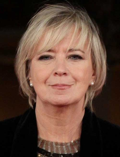 Short-Inverted-Bob-with-Blunt-Bangs-in-Front Short Hairstyles for Older Women