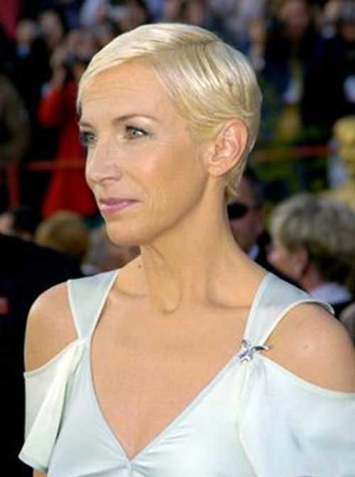Short-side-Swept-Blonde-Colored-Bob-Hairdo Short Hairstyles for Older Women
