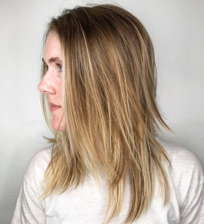 Straight-Hair-with-Sharp-Ends Modern Shag Haircut for Utter Stylish Look