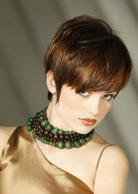 Super-Short-Bob-Hairstyle-with-Bangs-at-Front Short Bob Hairstyles for Ladies