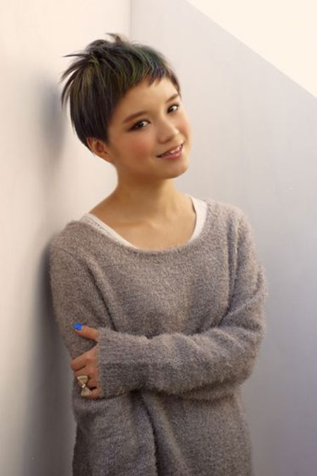 Super-Short-Boyish-and-Spiky-Hairstyle Short Cute Hairstyles