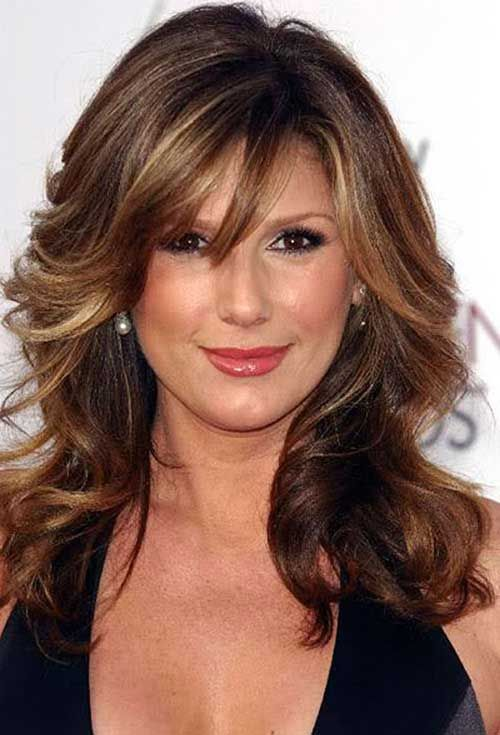 Wavy-Volume-Waves-With-Textured-Bangs 12 Stylish shoulder-length hairstyles for women Over 50