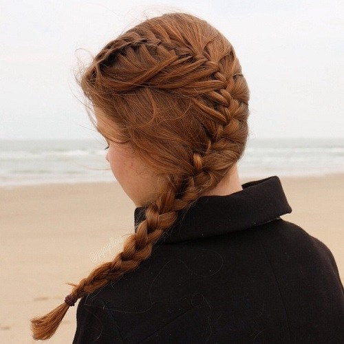 9-curvy-side-braid-teen-hairstyle 14 Cute Haircuts for Teenager Girls to Put You on Center Stage