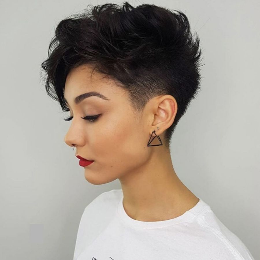 Boyish-Pixie-Cut Undoubtedly Coolest Pixie Cuts for Wavy Hair