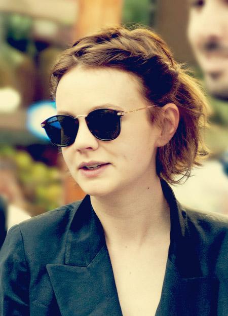 Carey-Mulligan's-Wavy-Bob-Cut Celebrity Short Hairstyles for Women