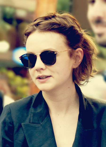 Carey-Mulligan's-Wavy-Bob-Cut Celebrity Short Hairstyles for Women