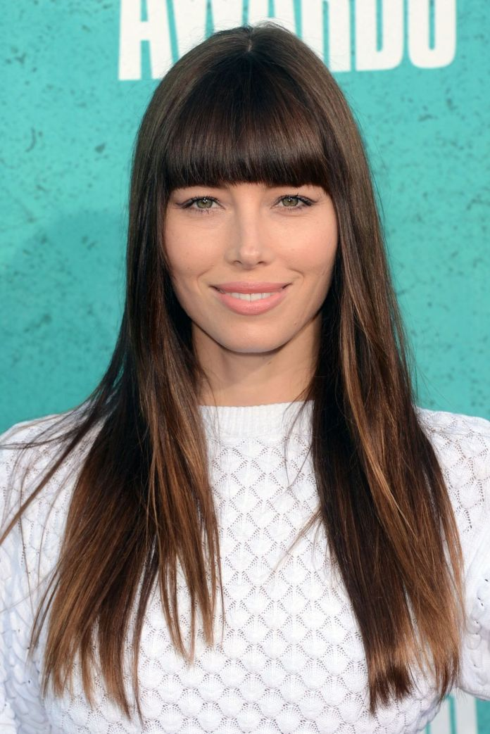 Hairtyles-with-bangs-Thick-and-Straight-Bangs 16 eye-catching Hairstyles with bangs
