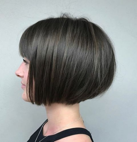 Jaw-Length-Rounded-Bob-with-Bangs 15 flattering short hairstyles for thin hair