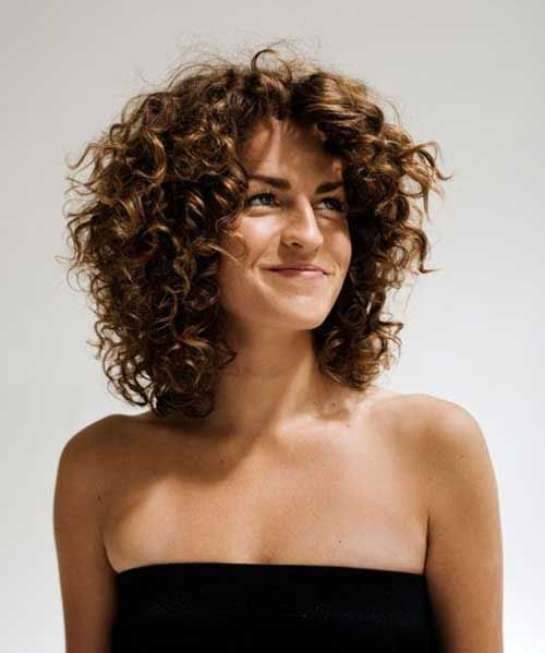 Layed-curly-hairstyle1 Top 10 Glamorous layered curly hairstyles