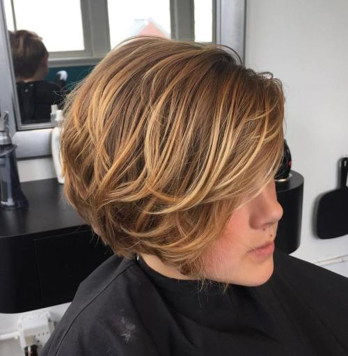 Layered-Bob-with-Highlights 14 Cute Haircuts for Teenager Girls to Put You on Center Stage