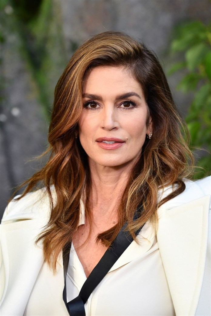 Lightly-Layered-Cut Most Youthful Hairstyles for Older Women 2020