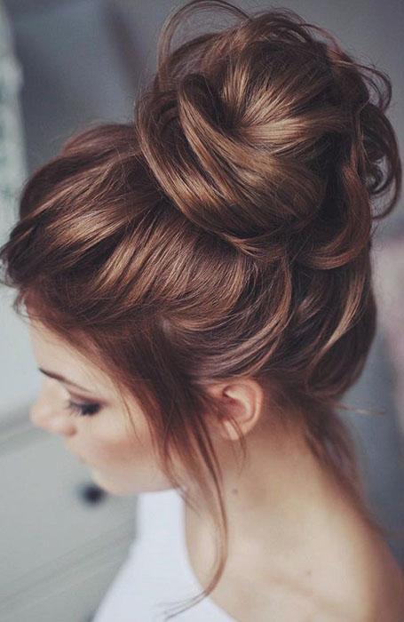 Messy-Bun-for-Long-Hair 10 Messy Bun Hairstyles to Refresh Your Casual Look