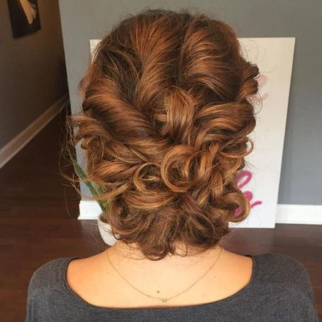 Naturally-Stunning-Cinnamon-Brown-Style Quick and Easy stunning Updos for Curly Hair