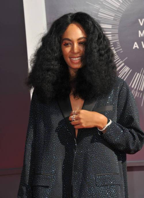 Real-Stylish-Tsunami-from-Solange 10 stunning long Hairstyles for Black Women