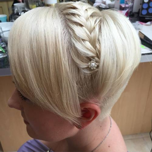 Short-Platinum-Undercut-Hairstyle 15 eye-catching Prom Hairstyles for Short Hair