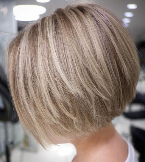 Straight-Textured-Creamy-Blonde-Bob 12 Stunning short layered bob haircuts