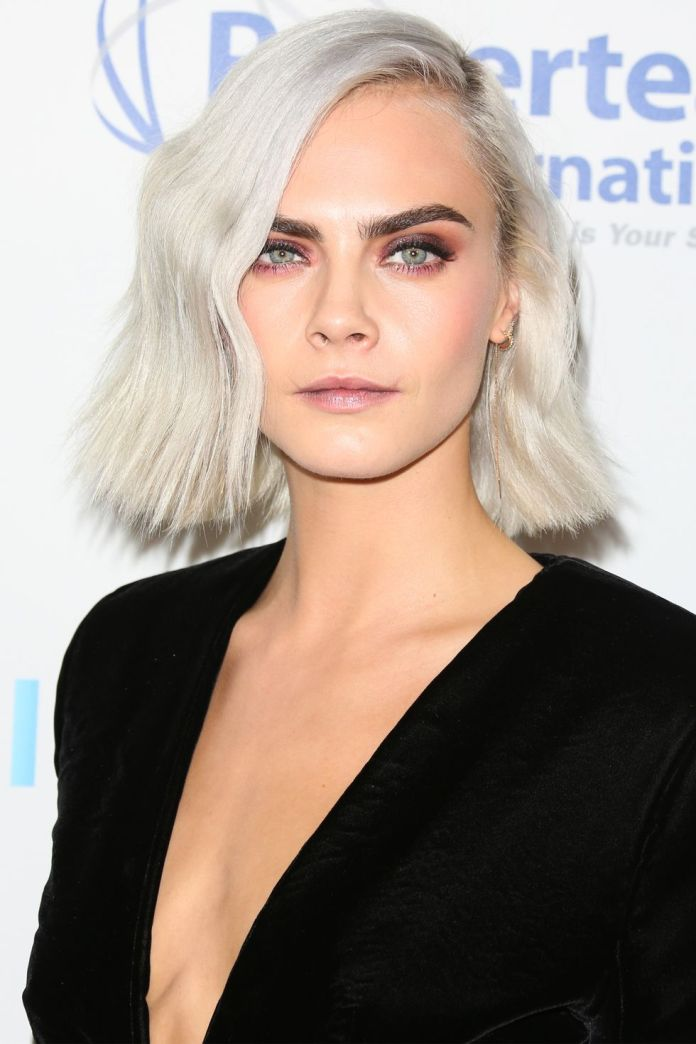 The-Icy-Cool-Bob-Cara-Delevingne 10 Trendy Blunt Bobs Hairstyles