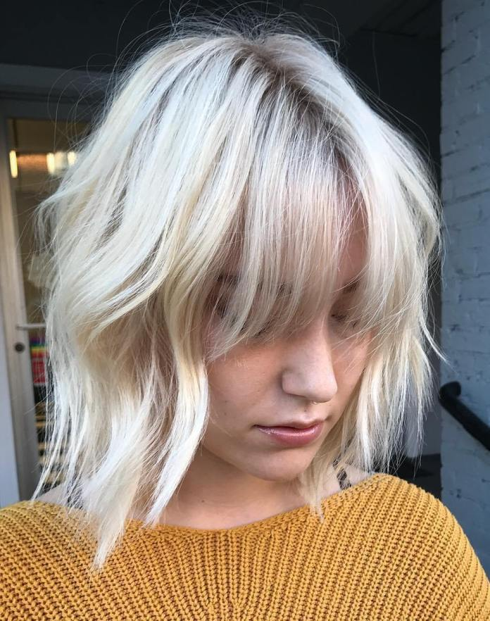 White-Blonde-Medium-Bob 15 flattering short hairstyles for thin hair