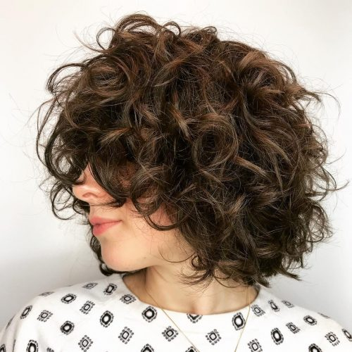 chic-curly-neck-length-layers Top 10 Glamorous layered curly hairstyles
