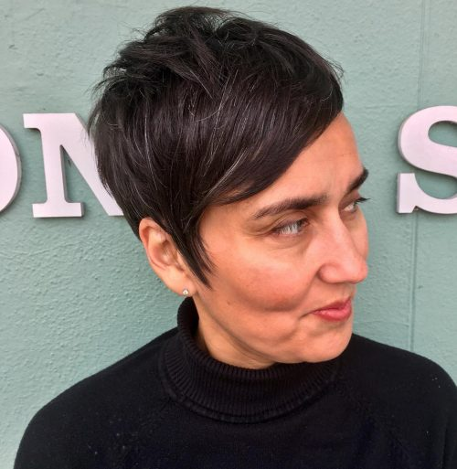 long-pixie-with-side-swept-bangs Short Hairstyles for Older Women Who Want a Timeless Look