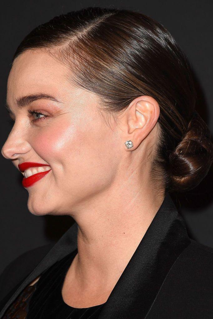 medium-length-hair-styles-miranda-kerr 14 Fabulous Medium Length Hairstyles of Celebrities you might want to copy