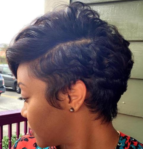 Embracing-Short-Natural-Curl 12 Great Short Hairstyles for Black Women