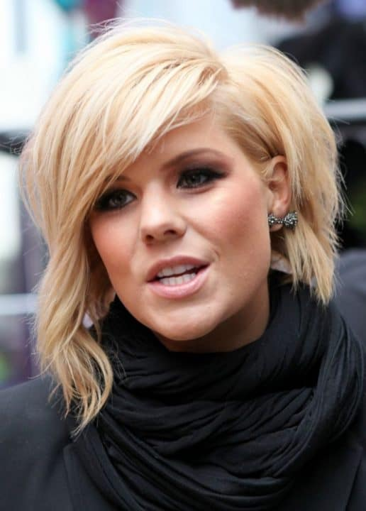 Long-Side-Bangs-1 Flawless Blonde Bob with Bangs Hairstyles to Try 2020