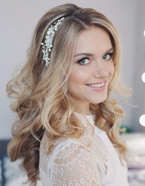 Loose-and-Lovely-Curls 14 Gorgeous Wedding Hairstyles for Long Hair