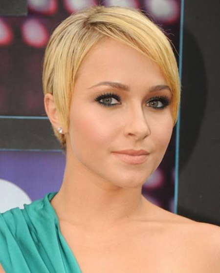 Lovely-and-Charming-Pixie-Cut Short Hairstyles for Straight Hair