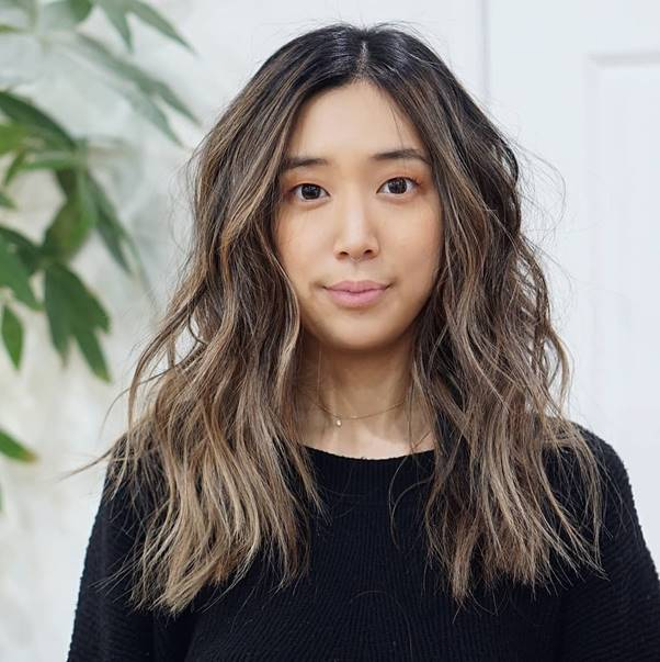 Medium-Beachy-Waves Bewitching Brunette Ombre Hair Ideas (2020 Guide)