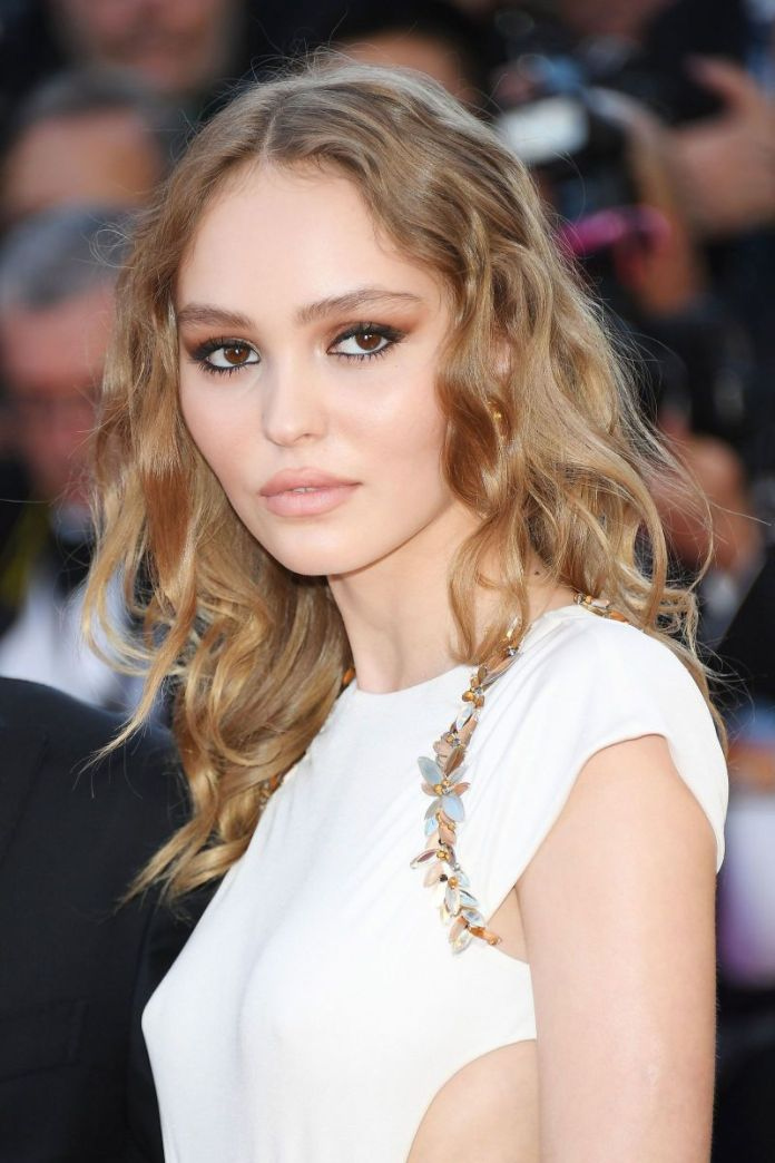 Messy-Sandy-Ombre Cute Medium Length Hairstyles to Glam Up Your Look