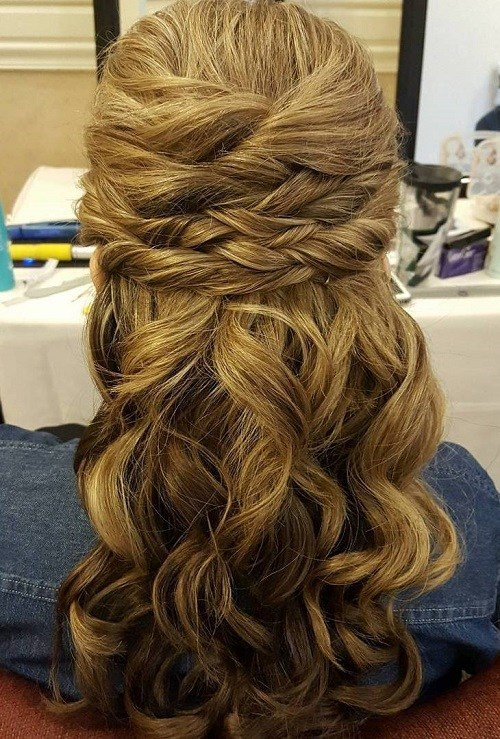 Sectioned-Twist-Style 15 Stylish Half Up Half Down Wedding Hairstyles for Brides