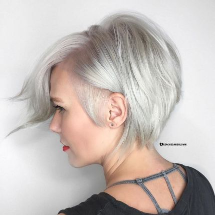 Side-Parted-Silver-Pixie-Bob 12 Trendy Pixie haircut ideas for your next cut