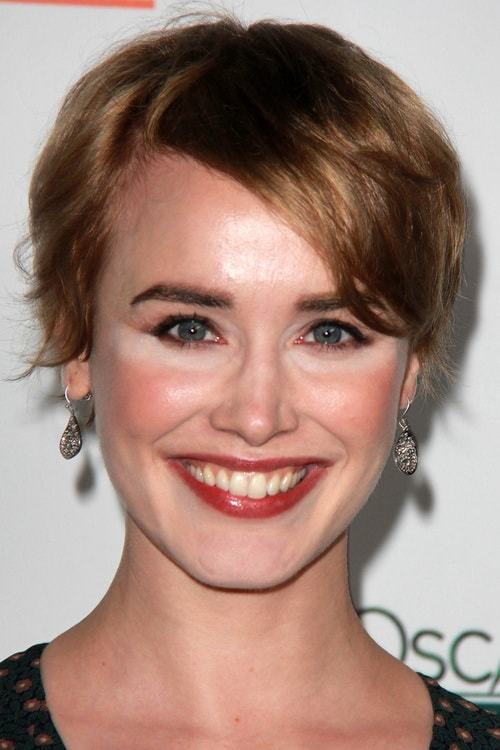 Side-swept-Bangs-on-Pixie-Bob Bob With Side Bangs You'll Want to Copy 2020
