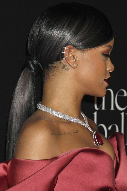 Sleek-and-Shiny-Ponytail Classy Ponytail Hairstyles for Black women