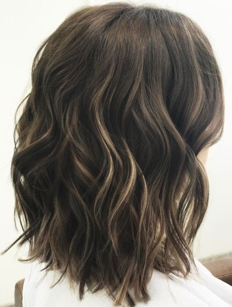 Wavy-Hairstyle-for-Medium-Hair Gorgeous haircuts for thick hair of medium length in 2020