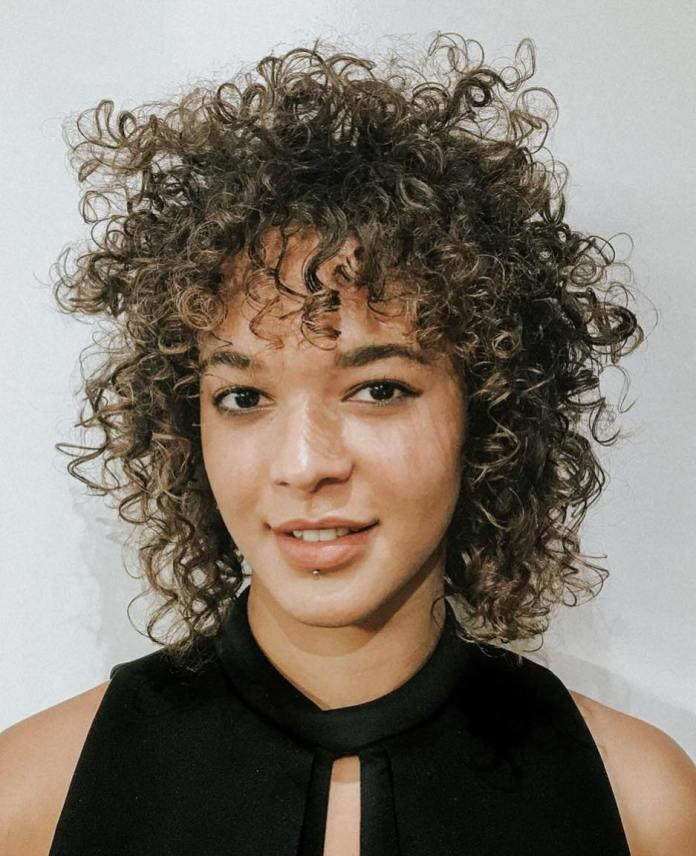 styling-curly-hair 12 Fabulous Women's Haircuts For Thin Hair