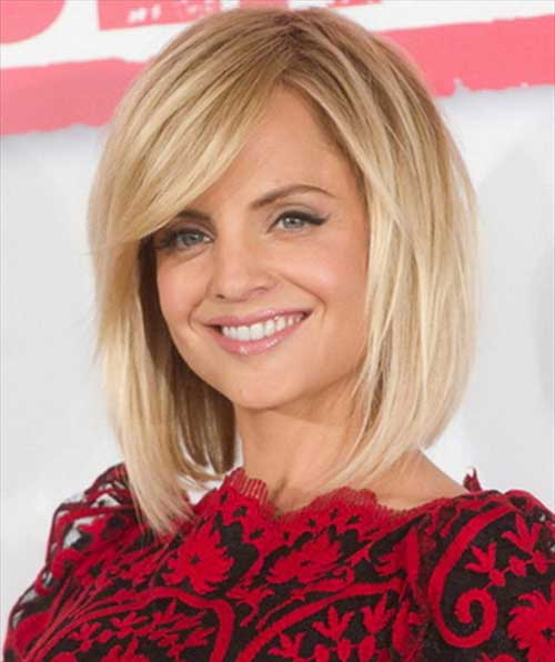Blonde-Thick-Hairstyle-with-Side-Apart Best Ways to Sport Bob Hairstyles with Thick Hair
