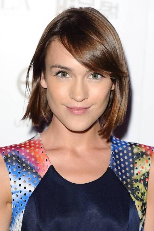 Ella-Catliff's-Romantic-Look-With-A-Short-Brown-Hairstyle 12 Trendiest Short Brown Hairstyles and Haircuts