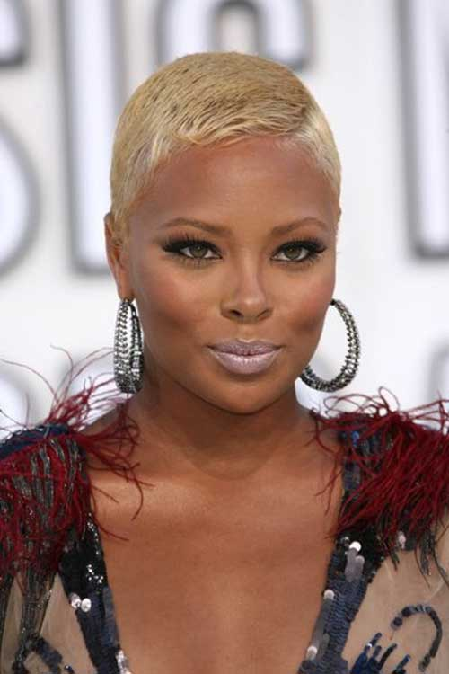 Exteremly-Short-Blonde-Hairstyle-for-African-American-Women Naturally Short Hairstyles for Beautiful Black Women