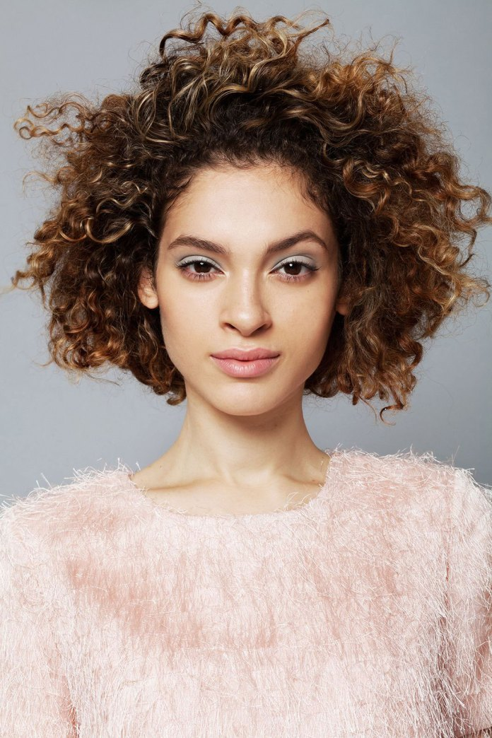 Faux-Bob 11 On-trend Haircuts for Girls With Extremely Curly Hair