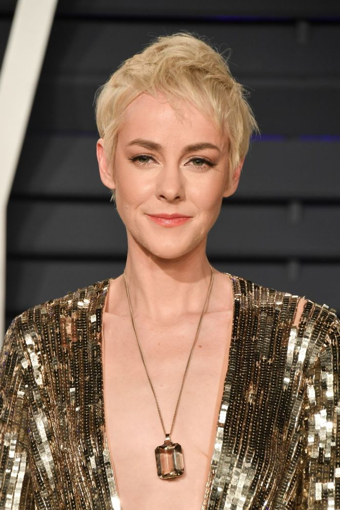 Jena-Malones-Feathery-Pixie-1 15 Pixie Cuts for All Hair Textures in 2020