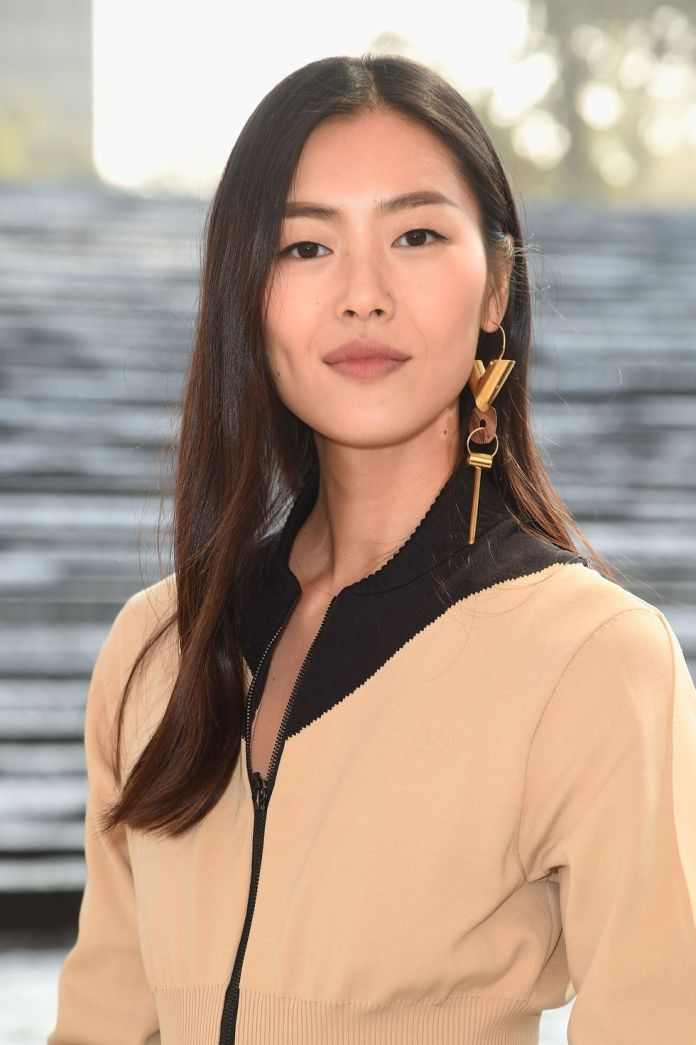 Long-and-Sleek-Style 12 Hairstyles for Fine Hair That Won't Fall Flat