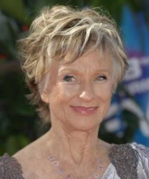 Lovely-Ladies-Short-Hairstyle 20 Awesome Short Haircuts for Older Women