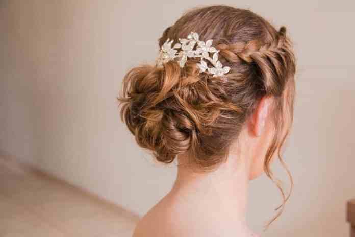 Messy-Bun-Hairstyle Ultra Modern Wedding Hairstyles 2020