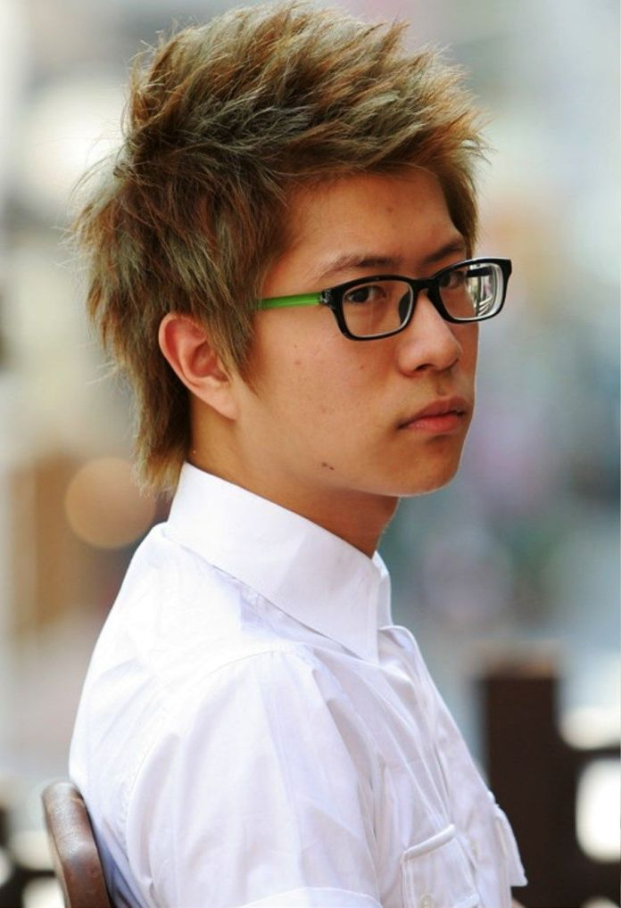 Messy-Wavy-Hair Dashing Korean Hairstyles for Men