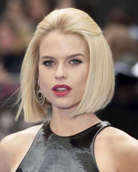 Short-Elegant-Blonde-Straight-Bob New Bob Hairstyles 2020