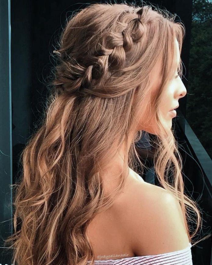 Side-Braid-Hairstyle Ultra Modern Wedding Hairstyles 2020