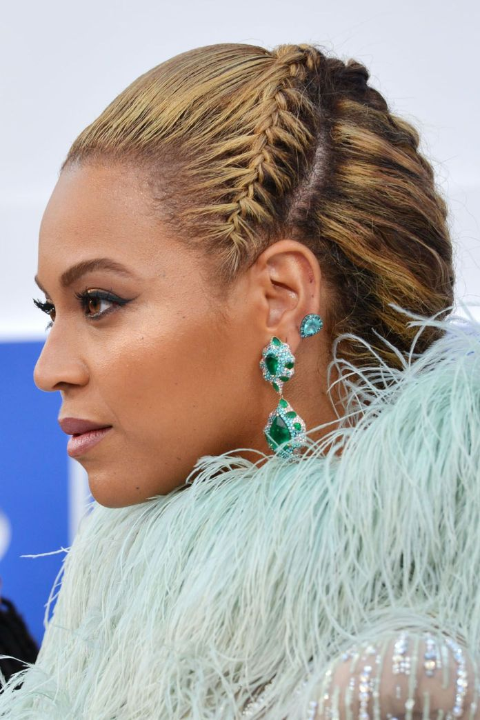Side-Braided-Golden-Twisted-Hair Long Braided Hairstyles to Look Beautiful as Never Before